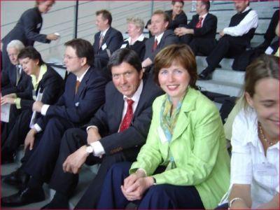 """In 2005 wurde die Steuerkanzlei Knollenborg & Partner im Bundeskanzleramt als familienfreundliches Unternehmen ausgezeichnet von """"Erfolgsfaktor Familie""""."""